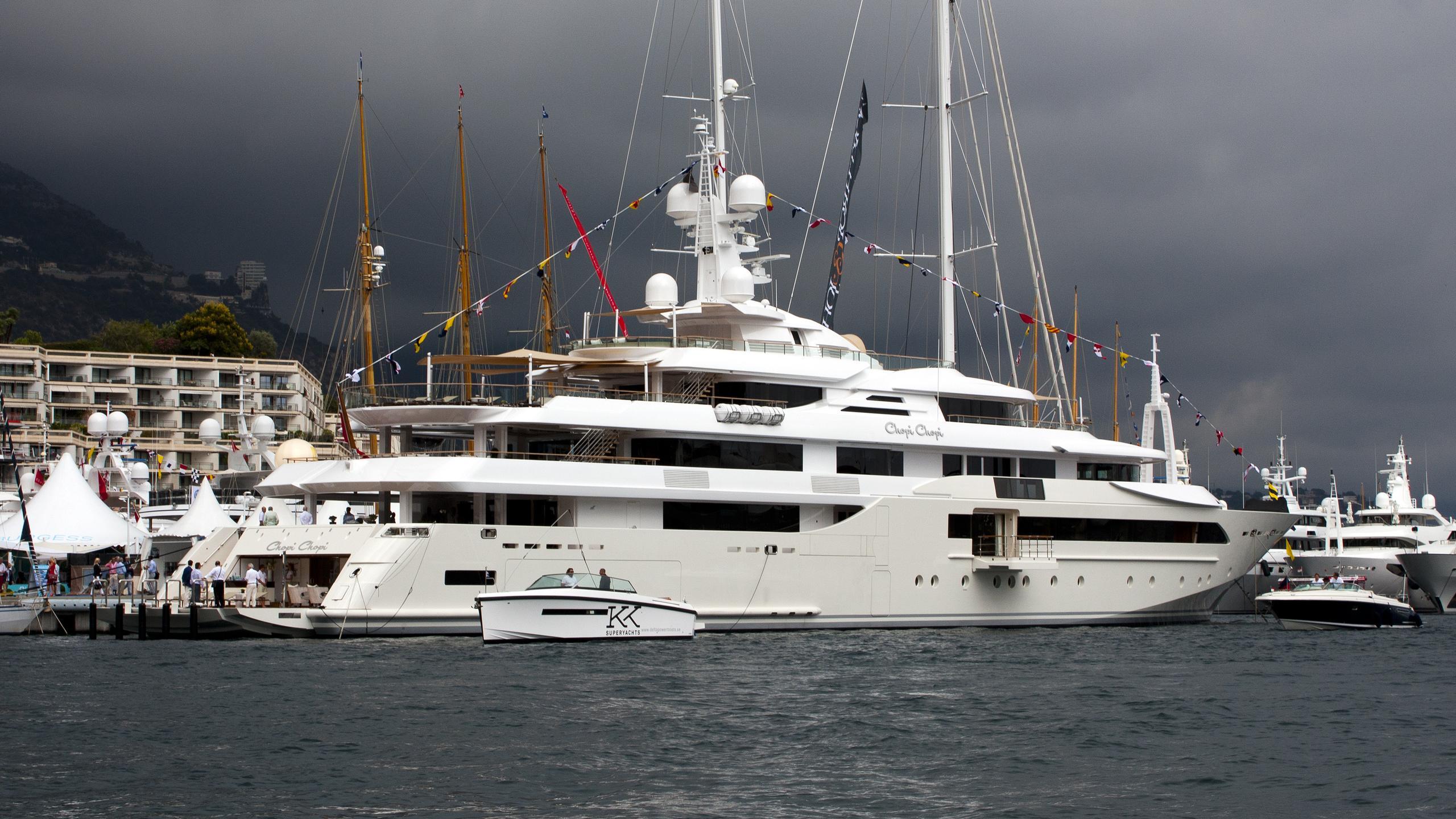 chopi-chopi-motor-yacht-crn-2013-80m-moored-half-profile