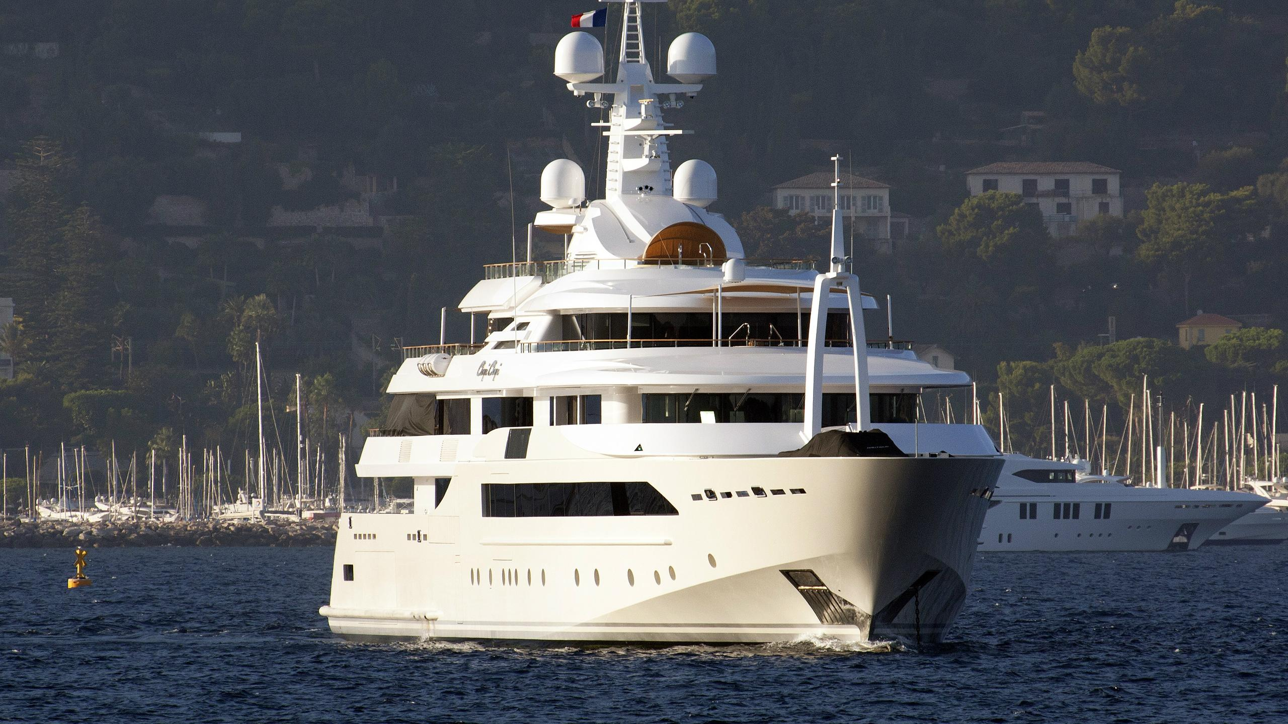 chopi-chopi-motor-yacht-crn-2013-80m-half-profile