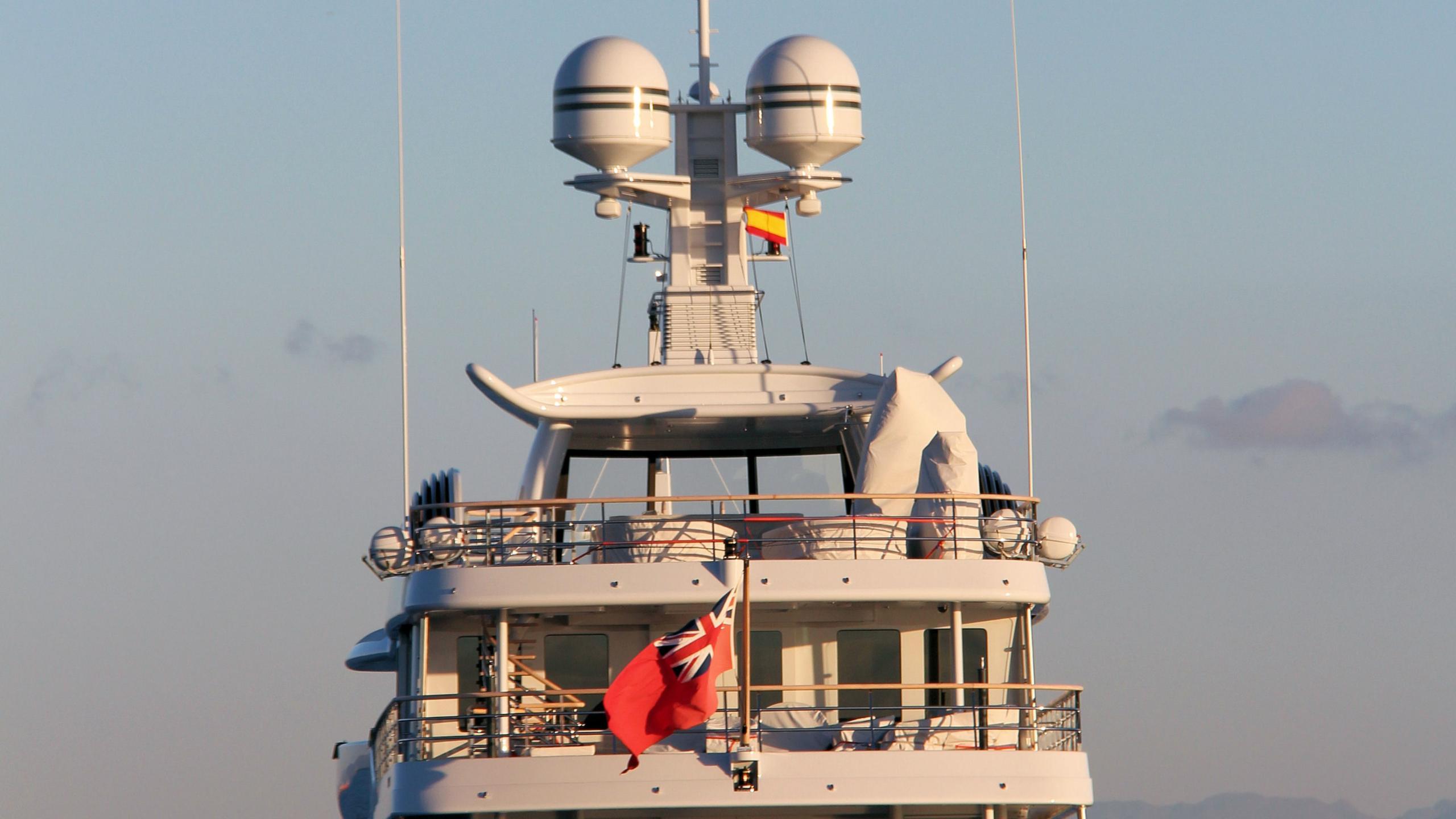 gene-machine-motor-yacht-amels-le-180-2013-55m-berth