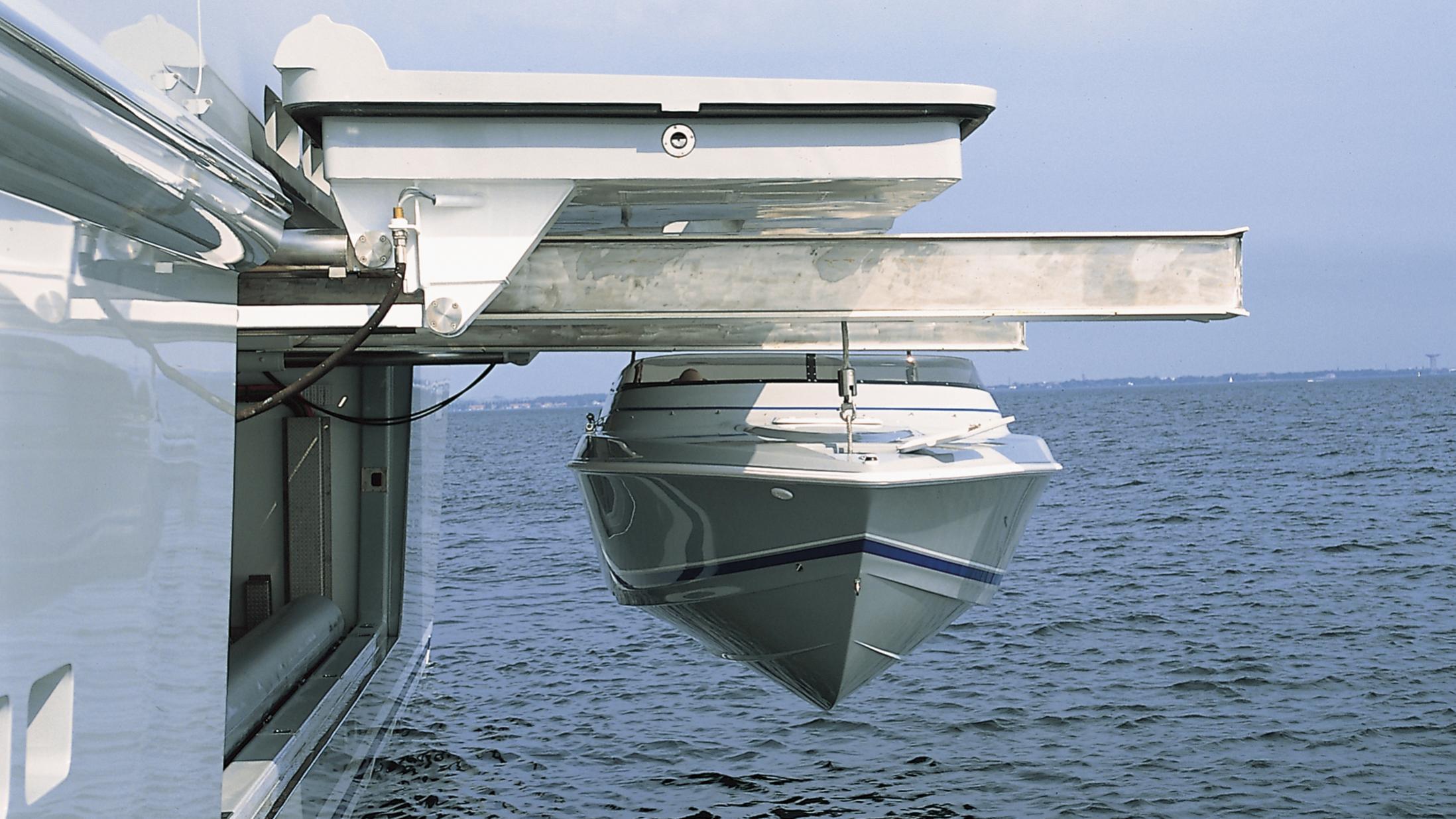 skat-explorer-yacht-lurssen-2002-71m-tender-garage