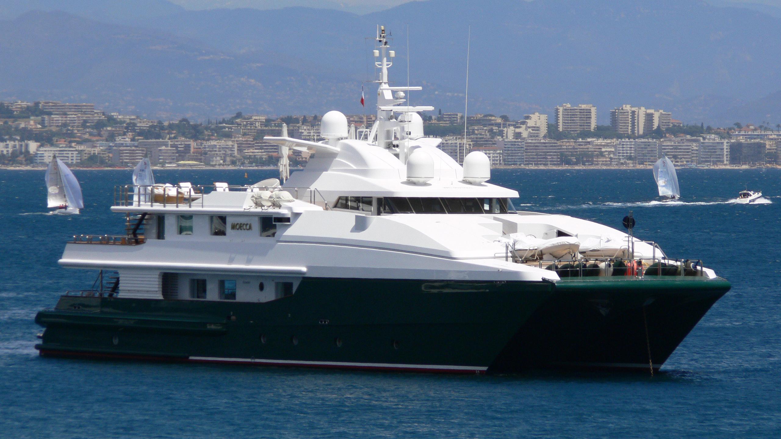 moecca-motor-yacht-oceanfast-1993-45m-profile
