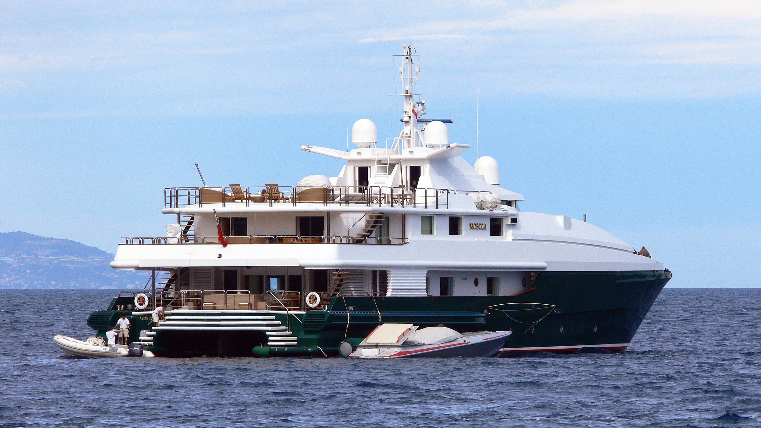 moecca-motor-yacht-oceanfast-1993-45m-stern