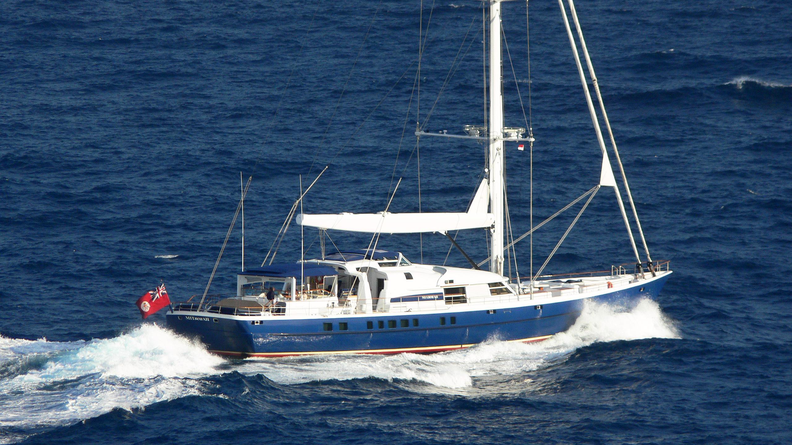 mitseaah-sailing-yacht-pendennis-2004-47m-cruising-stern