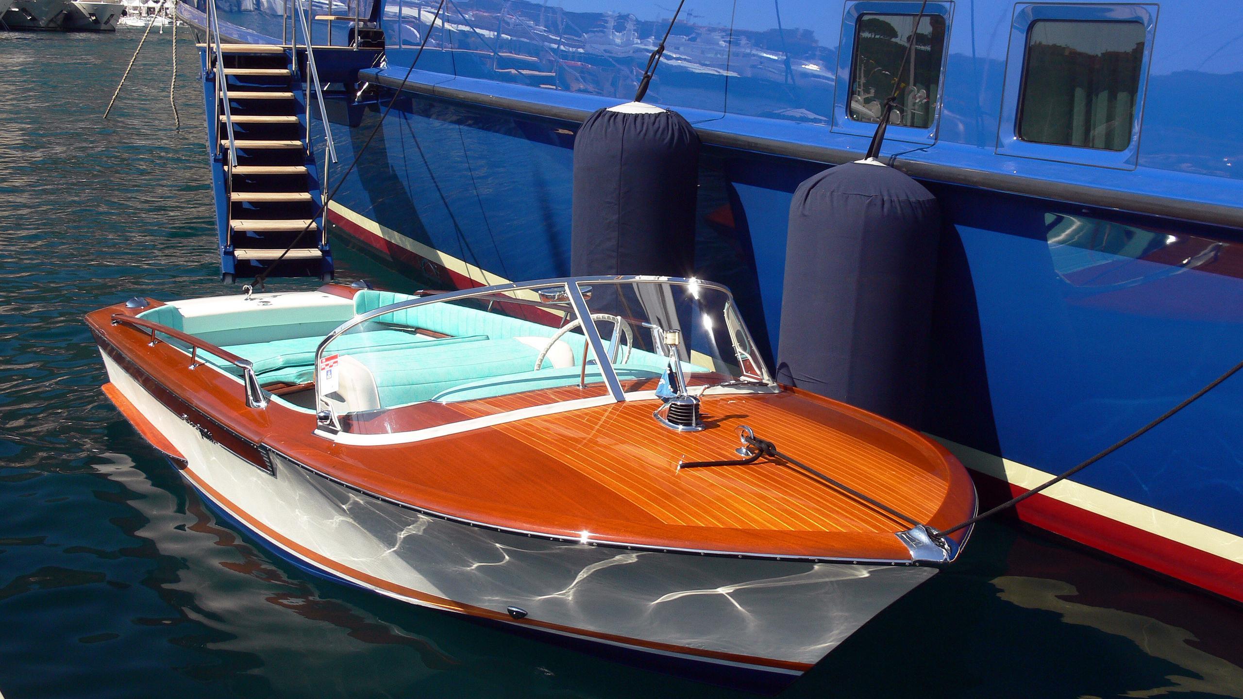 mitseaah-sailing-yacht-pendennis-2004-47m-vintage-tender
