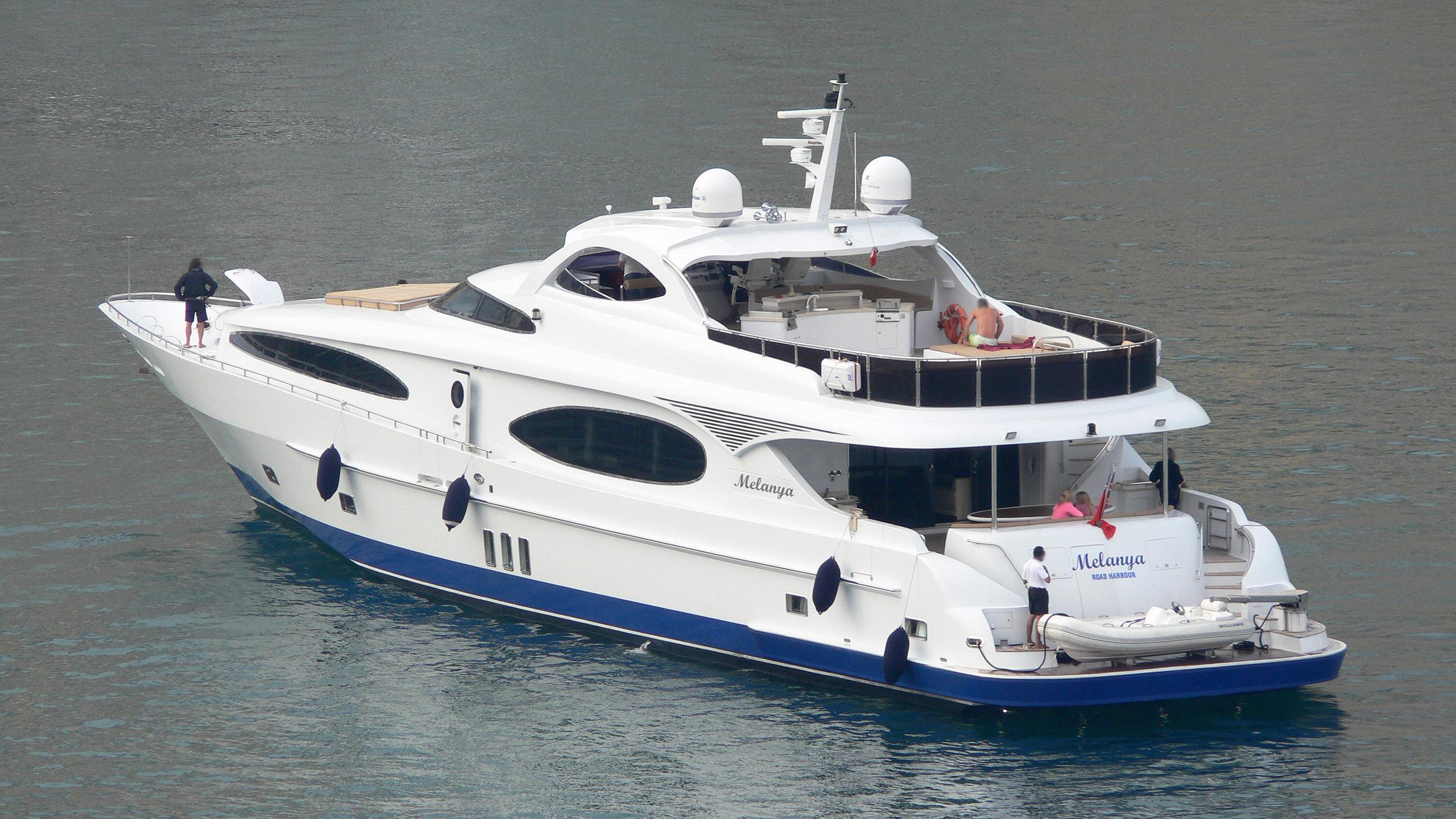 melanya-motor-yacht-gulf-craft-majesty-118-2006-36m-stern