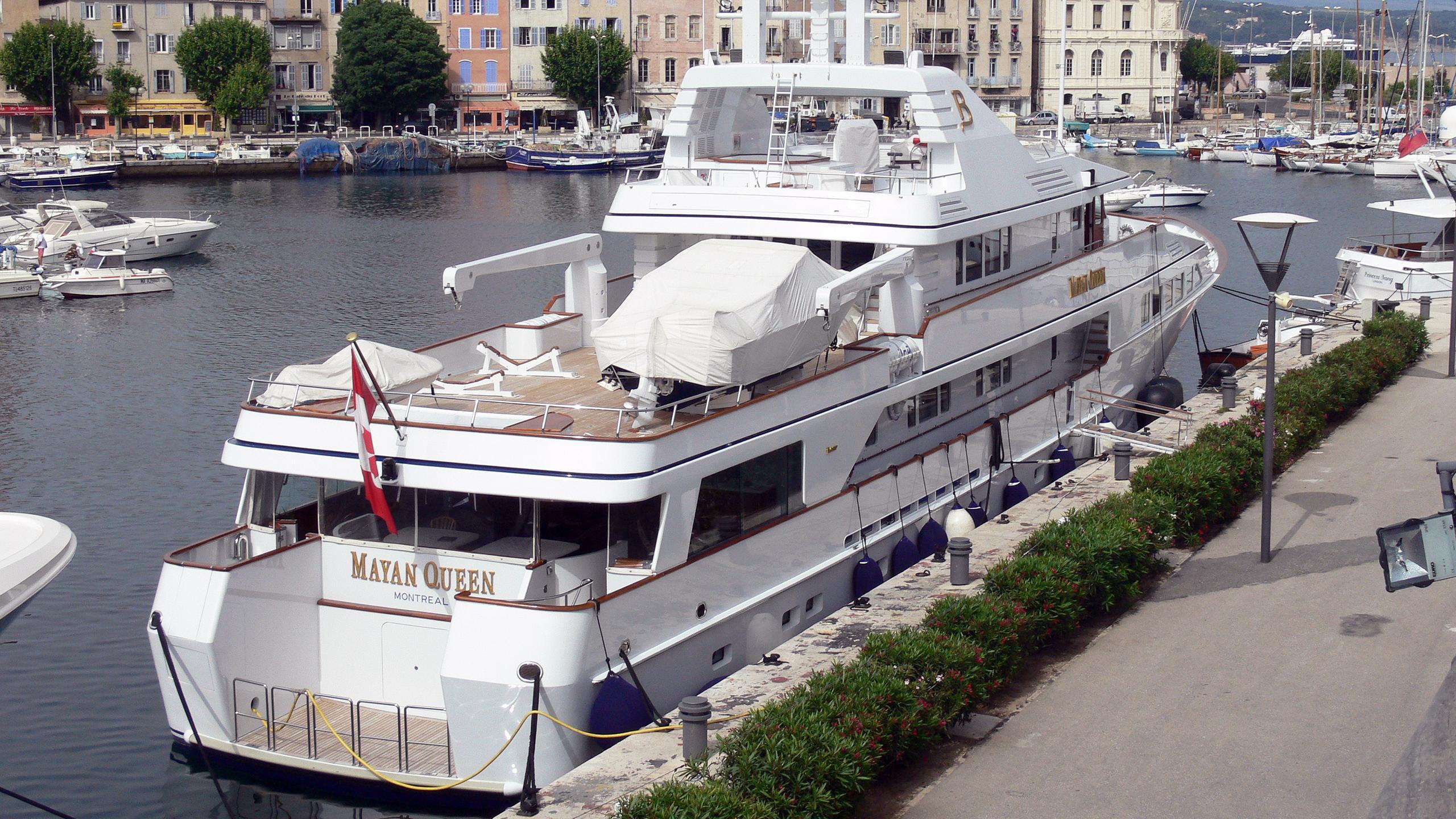 mq2-motor-yacht-fedship-1990-49m-stern