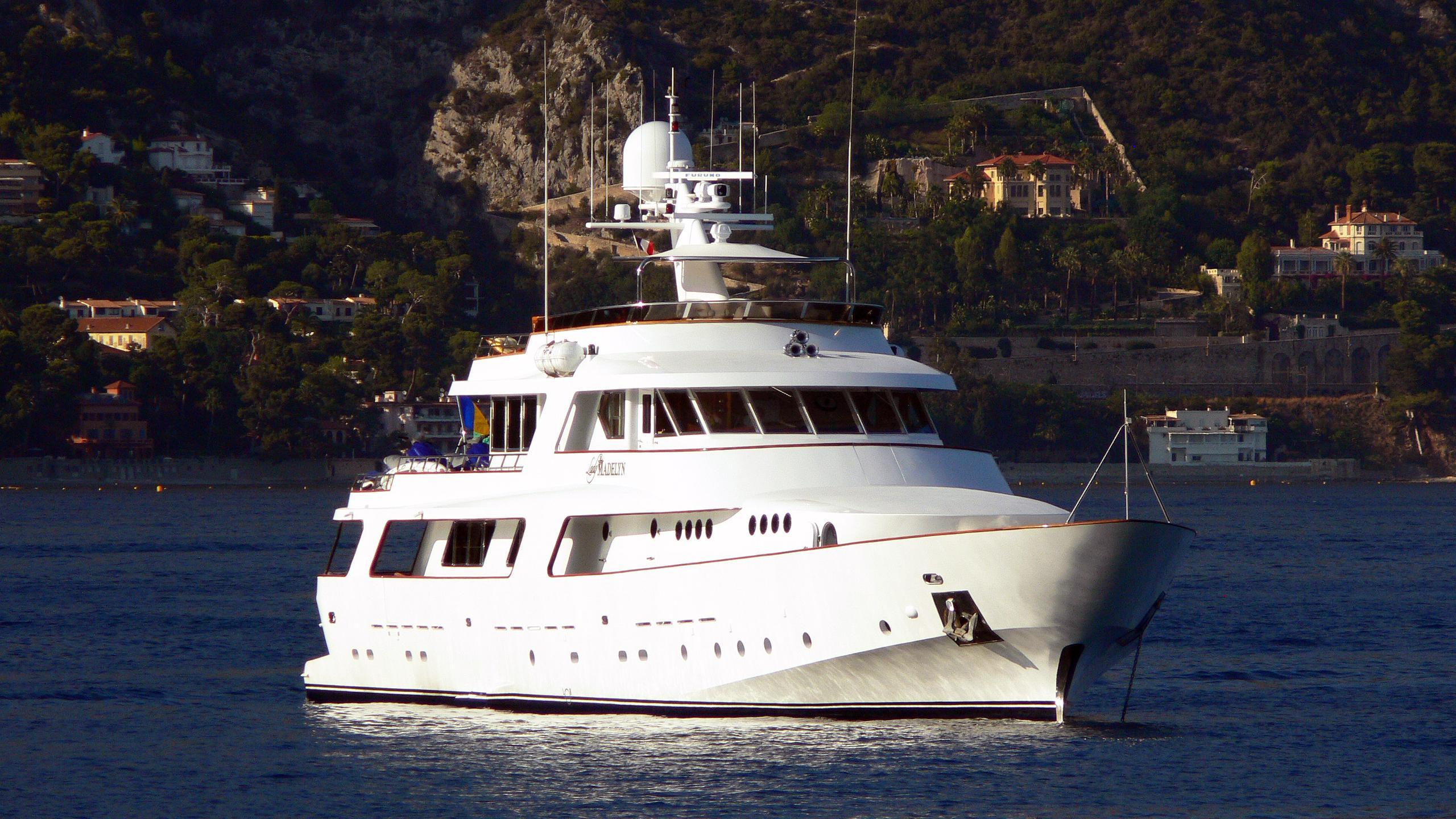 nordic-star-motor-yacht-crn-1978-37m-bow