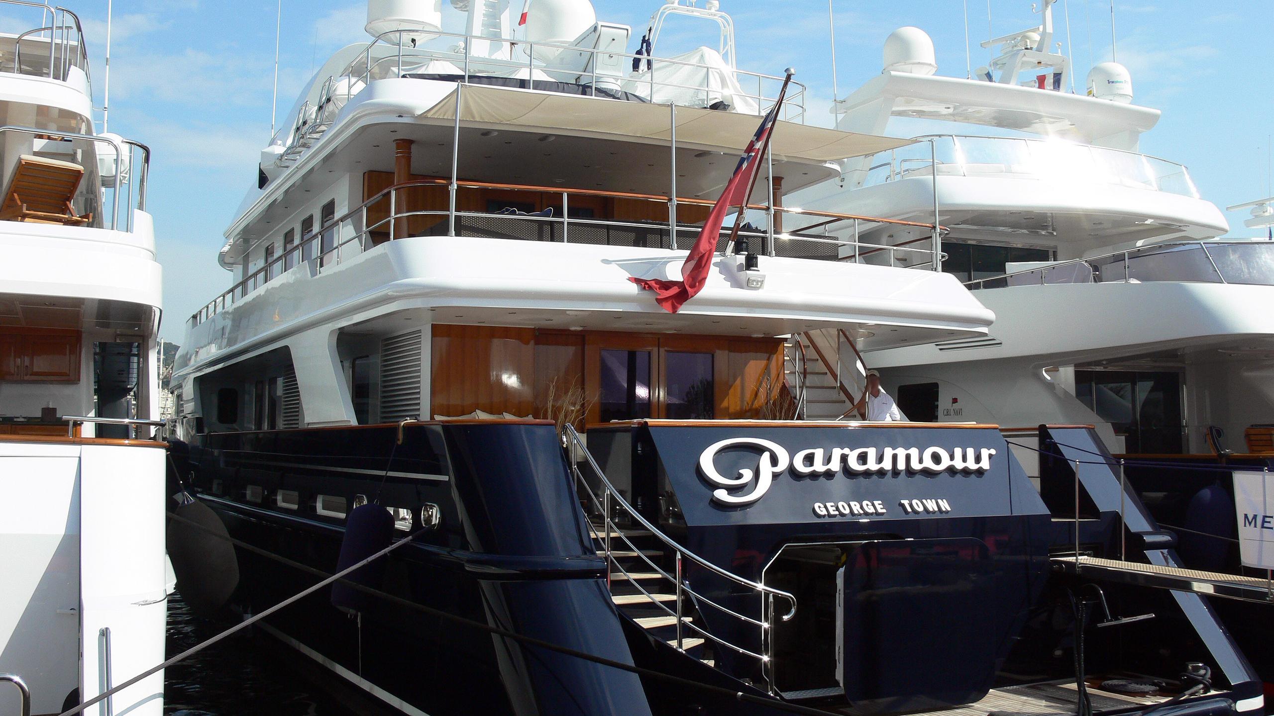 de-de-motor-yacht-cmn-2002-43m-super-stern