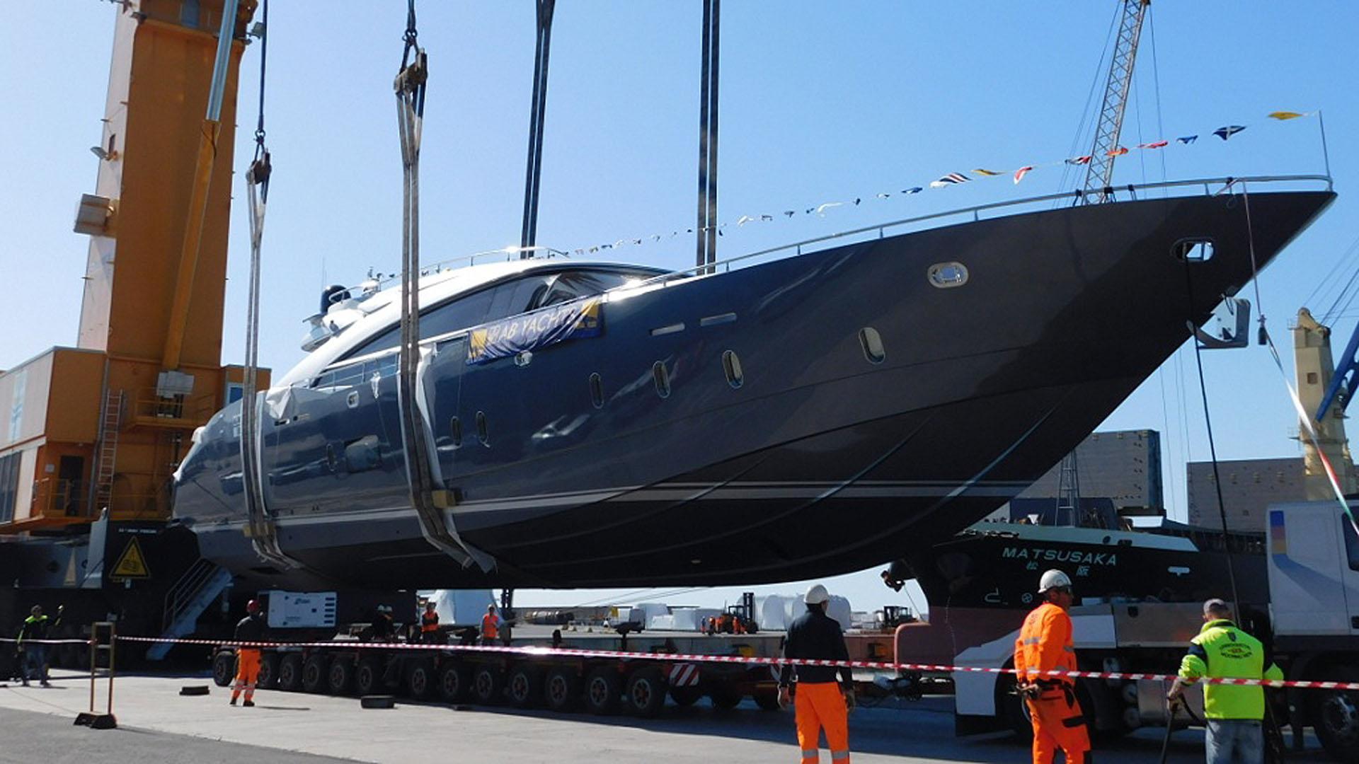 ab-100-motor-yacht-2016-30m-profile-launch