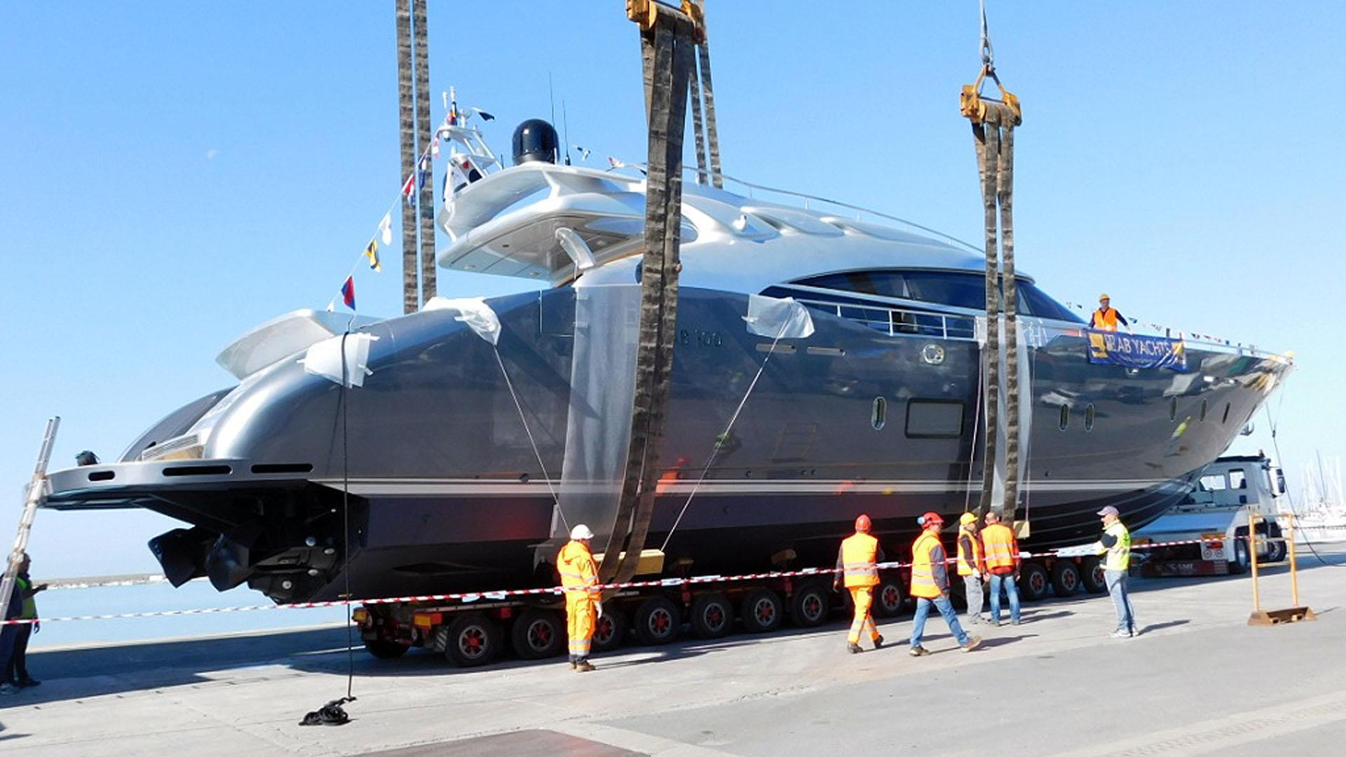 ab-100-motor-yacht-2016-30m-half-profile-stern-launch