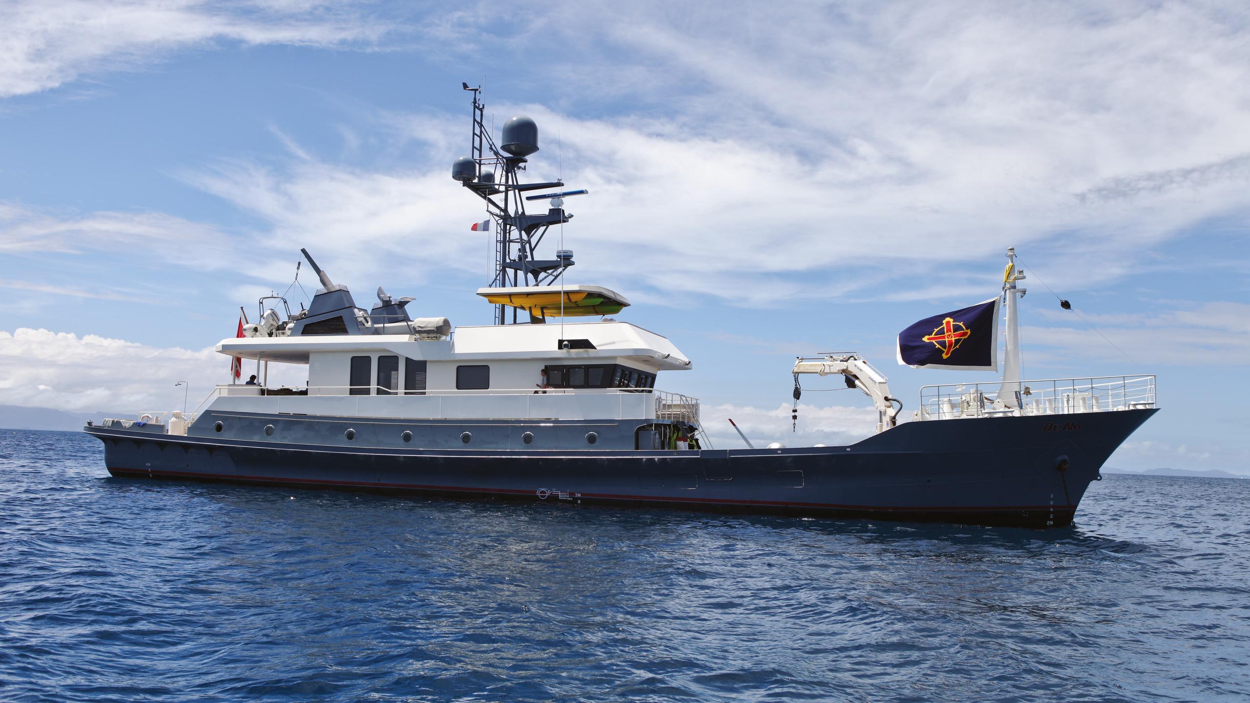 dr-no-explorer-yacht-narasaki-1995-37m-profile