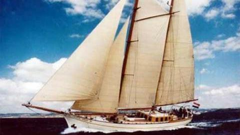 silver-spray-sailing-yacht-1916-34m-cruising-profile