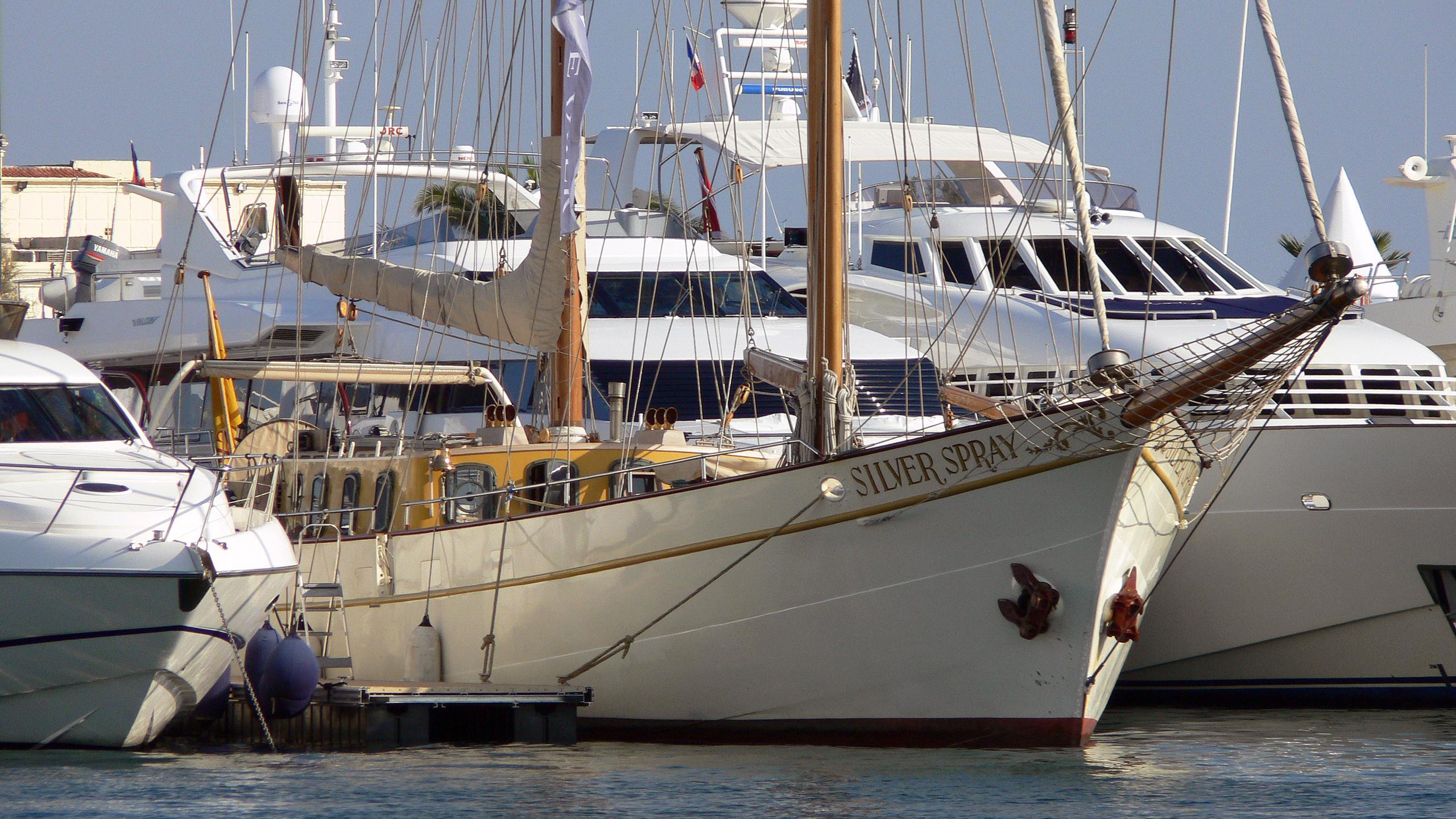 silver-spray-sailing-yacht-1916-34m-moored-half-profile