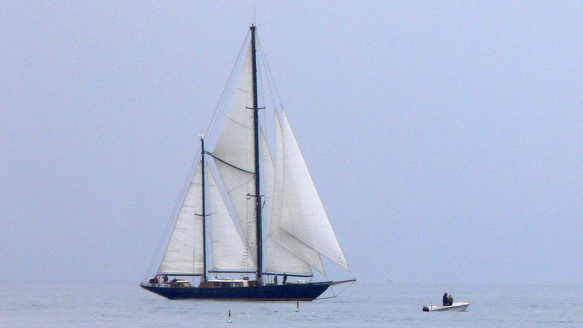 sintra-sailing-yacht-abeking-rasmussen-1959-33m-cruising-profile