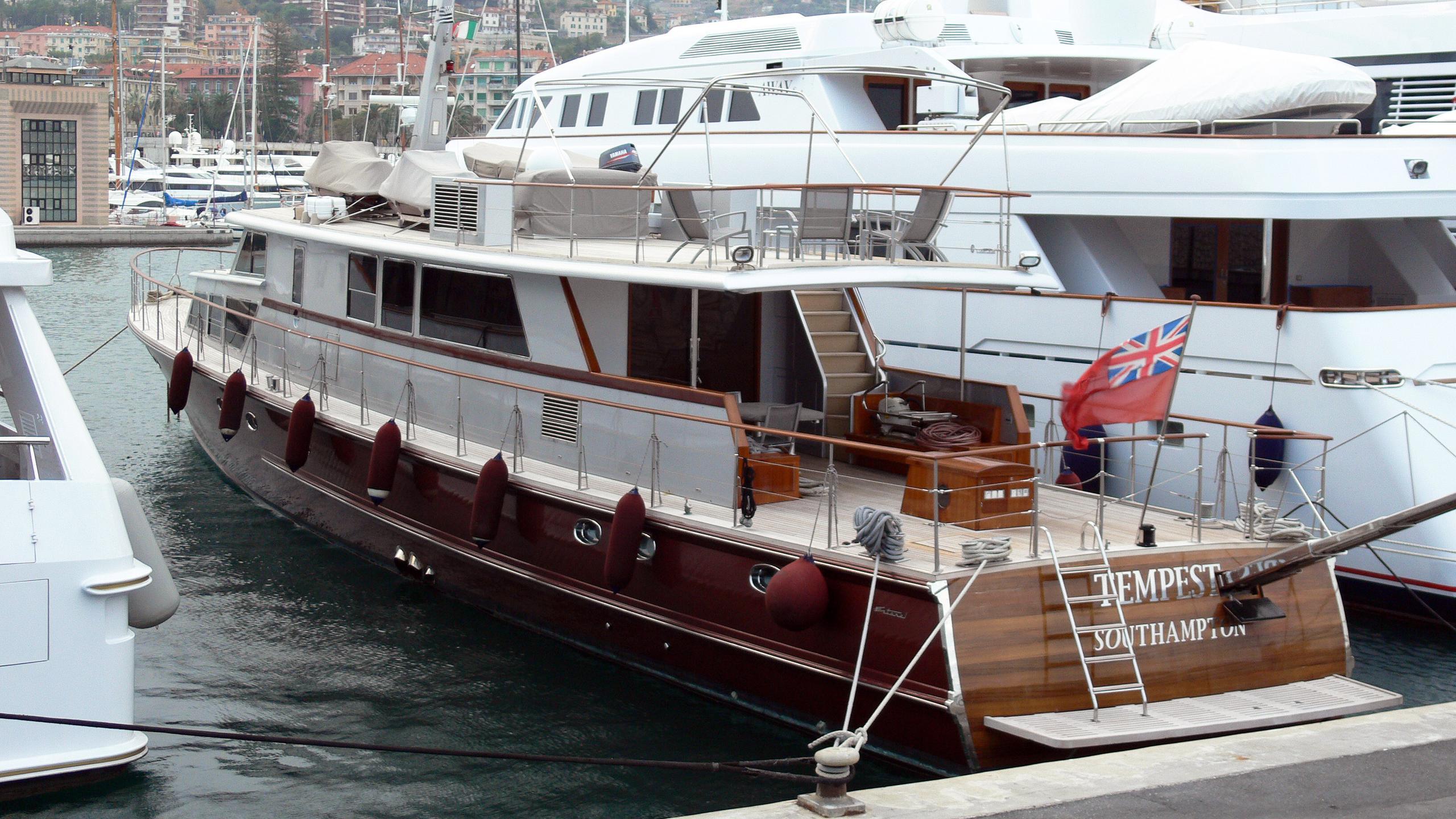 tempest-ws-motor-yacht-esterel-1963-32m-stern
