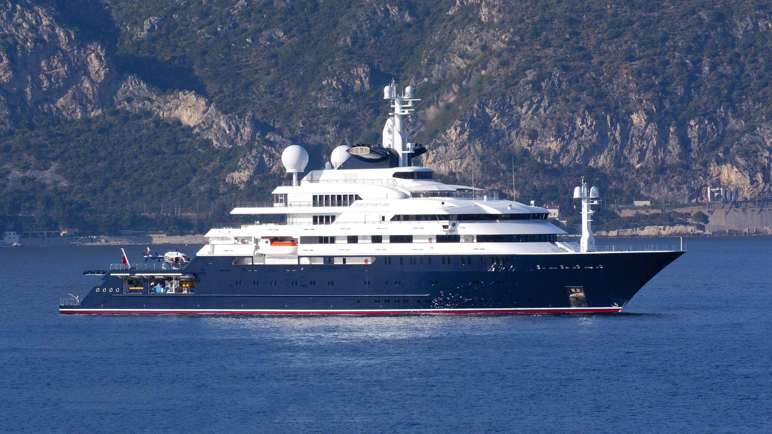 octopus-explorer-yacht-lurssen-2003-126m-profile
