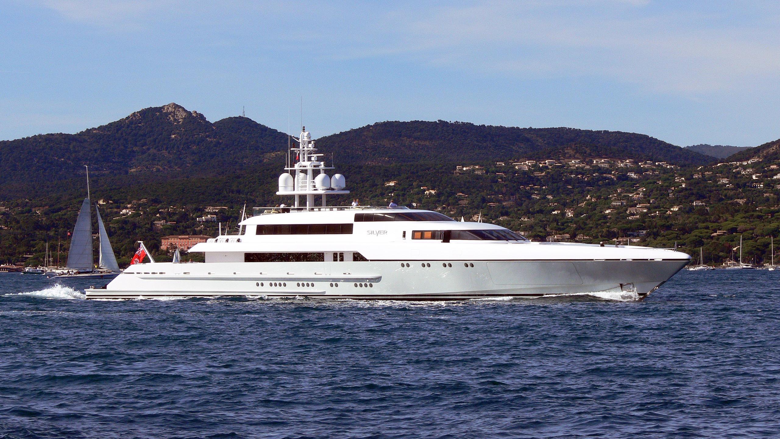 rabdan-motor-yacht-silver-2007-73m-profile-crusiing