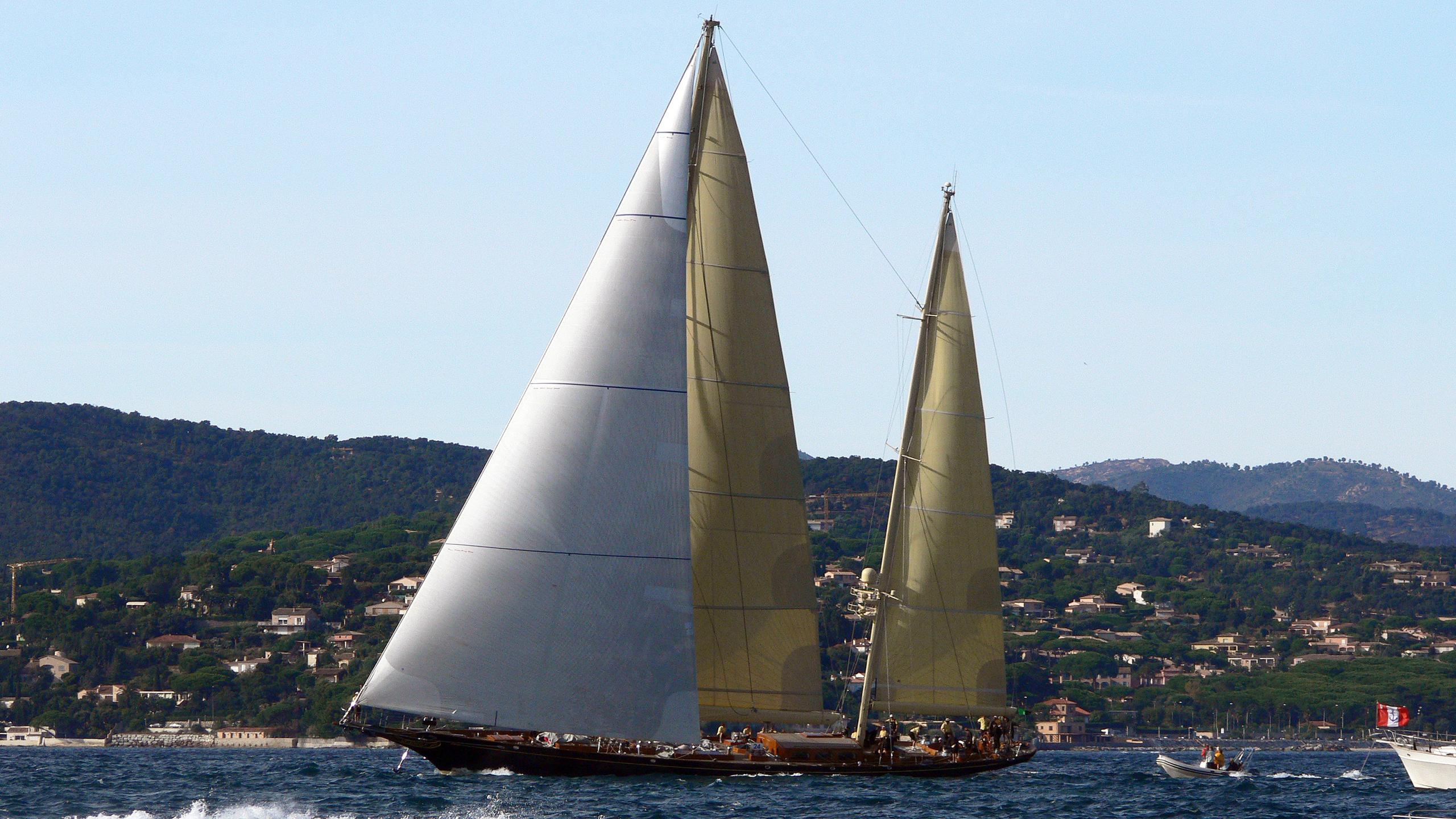 asgard-sailing-yacht-abeking-rasmussen-1993-43m-cruising-profile
