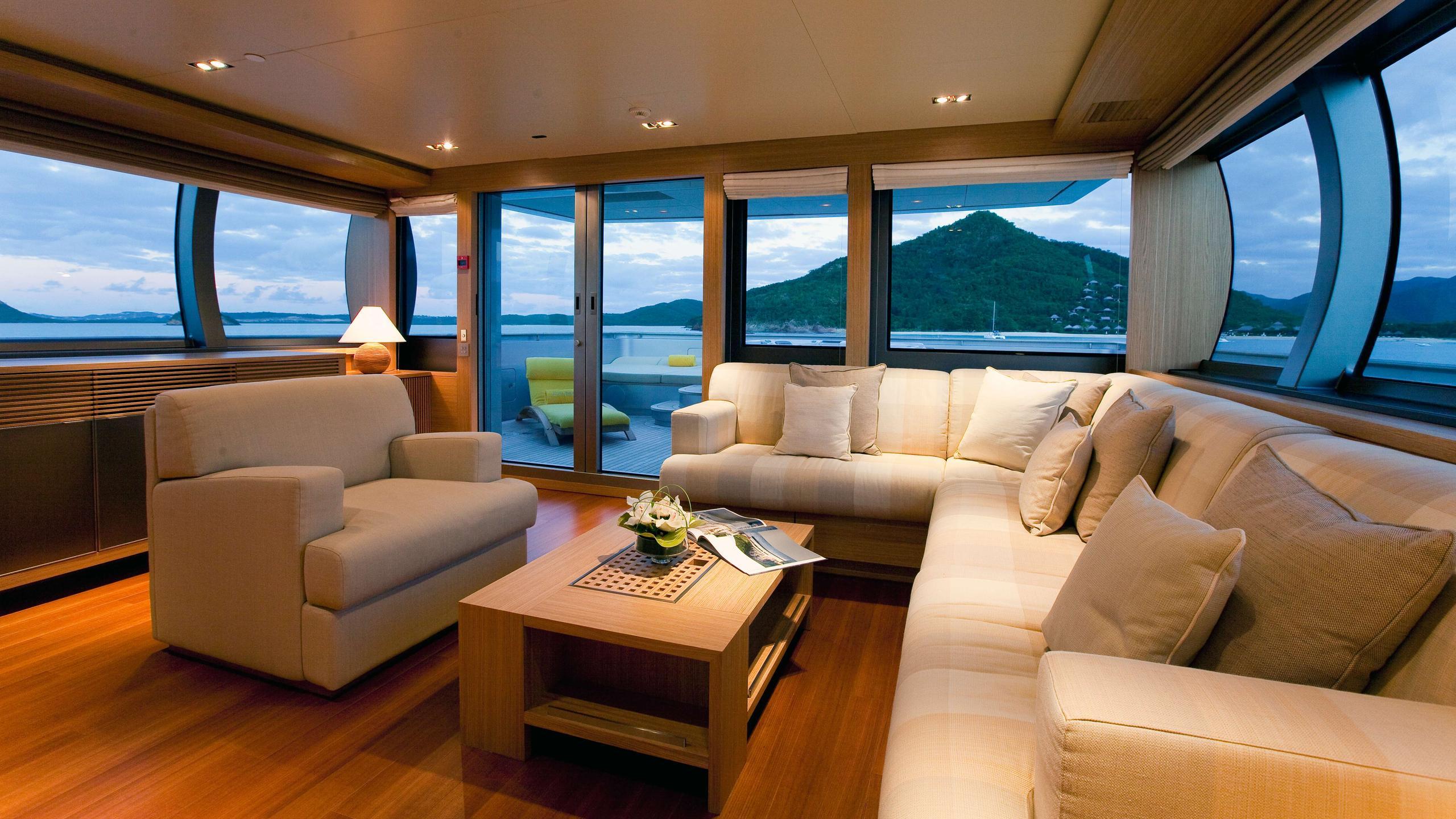 exuma-motor-yacht-perini-navi-picchiotti-2010-50m-living