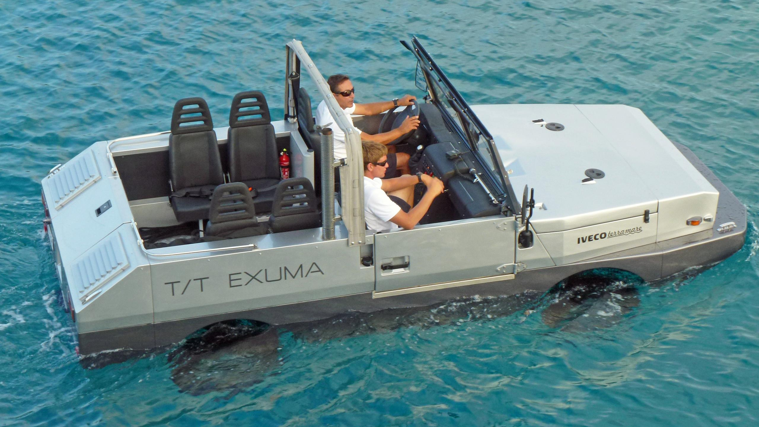 exuma-motor-yacht-perini-navi-picchiotti-2010-50m-jeep
