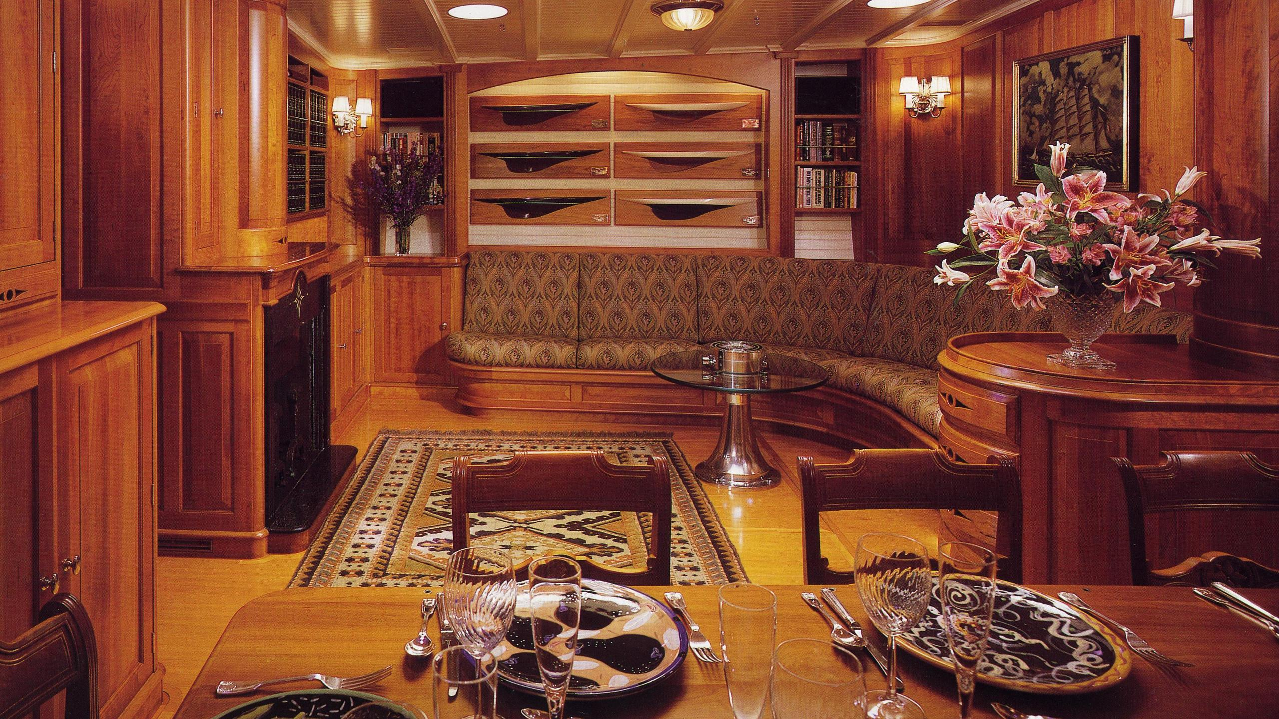 endeavour-classic-saling-yacht-camper-nicholsons-1934-40m-dining-room