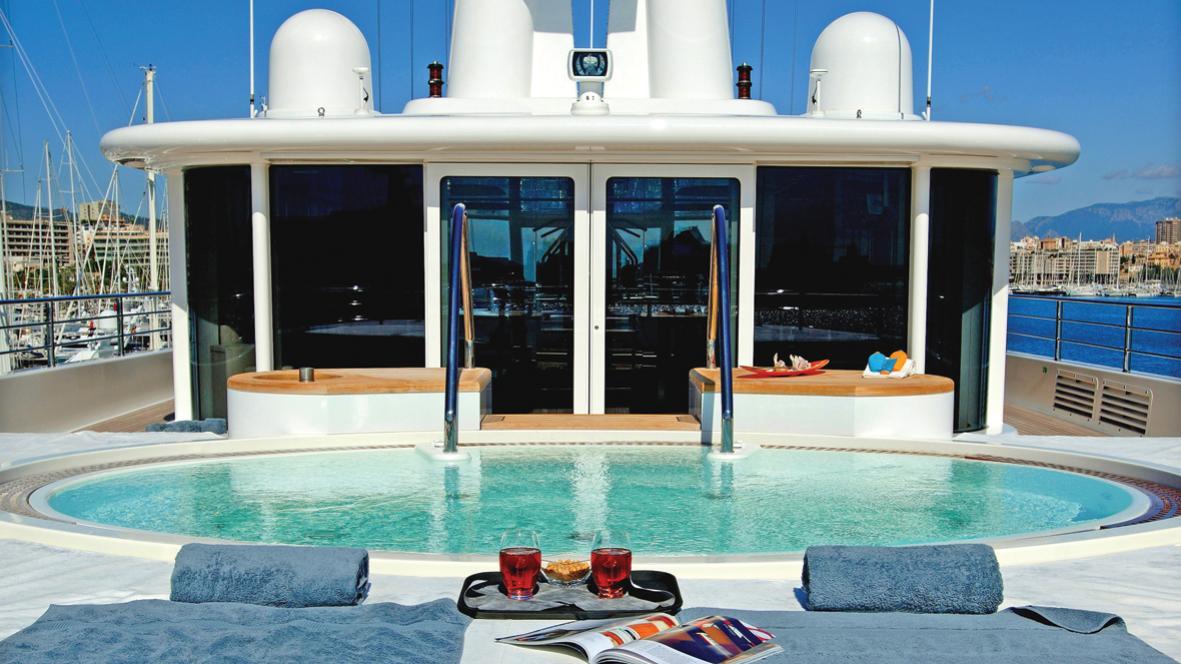 ice-explorer-yacht-lurssen-2005-90m-pool