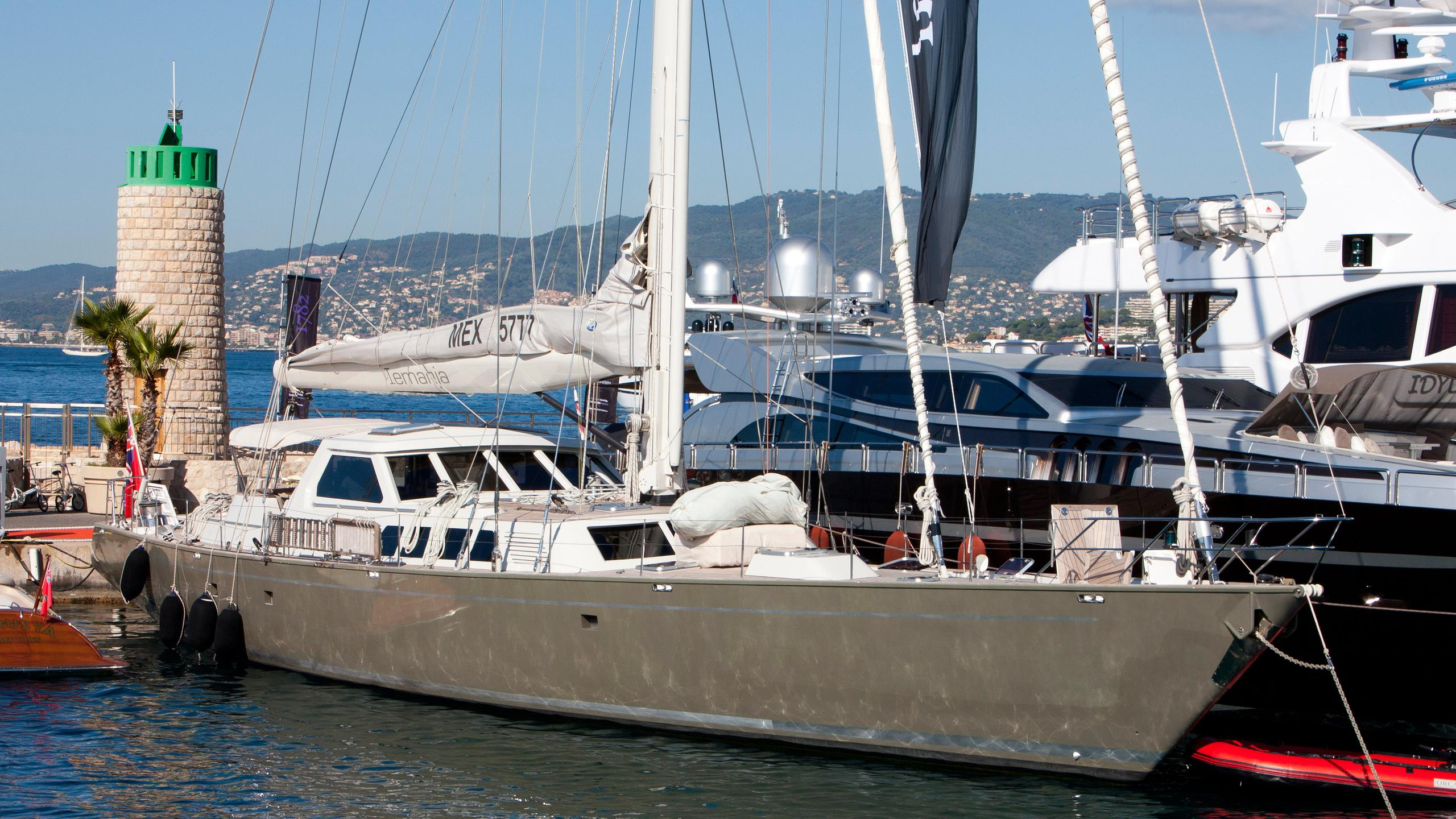 iemanja-v-sailing-yacht-biot-1988-32m-bow-moored