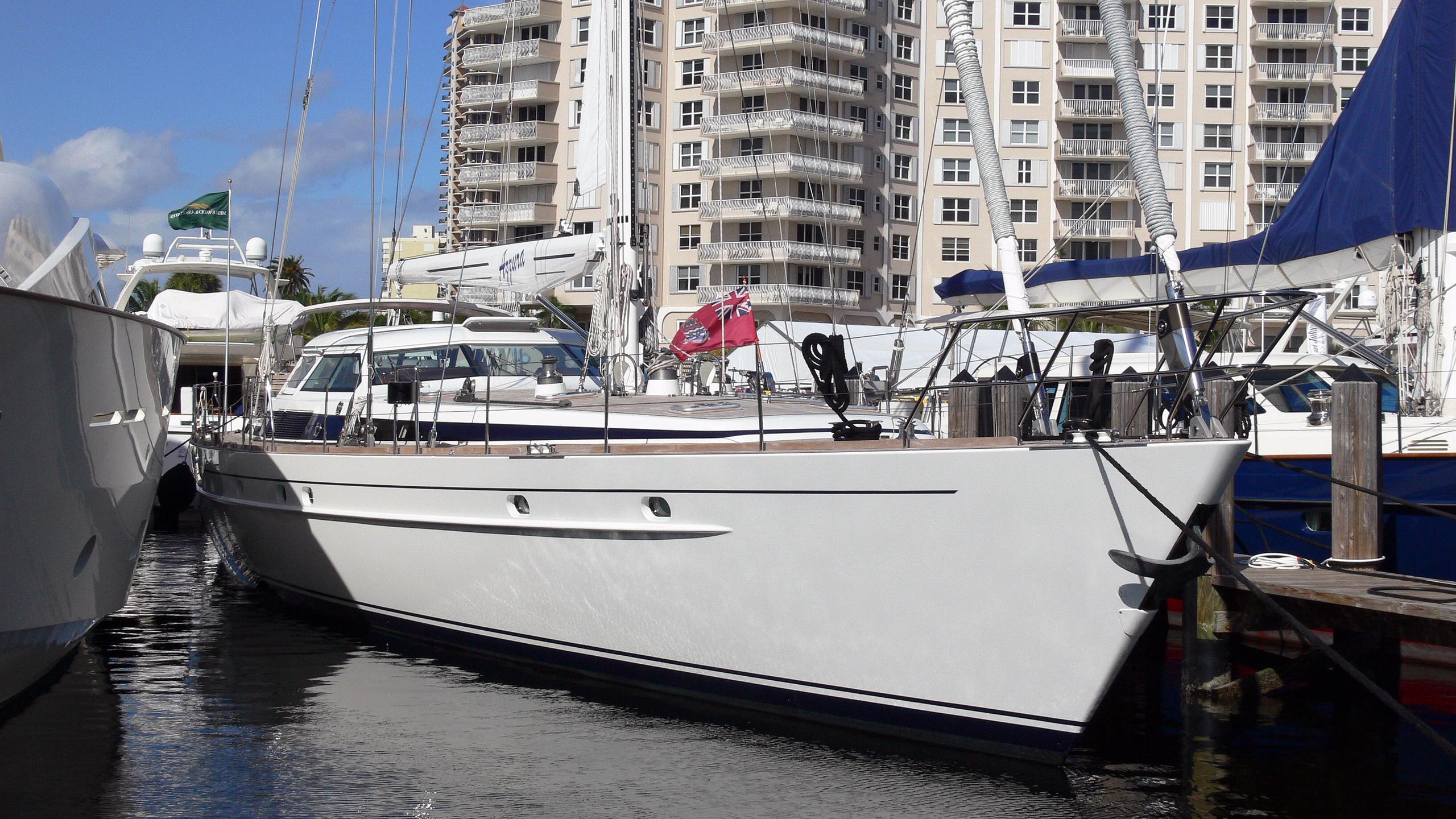 lady-vail-azzura-sailing-yacht-jongert-3000m-1998-29m-bow