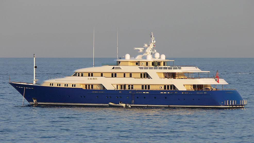 laurel-motor-yacht-delta-marine-2006-73m-profile-sunset