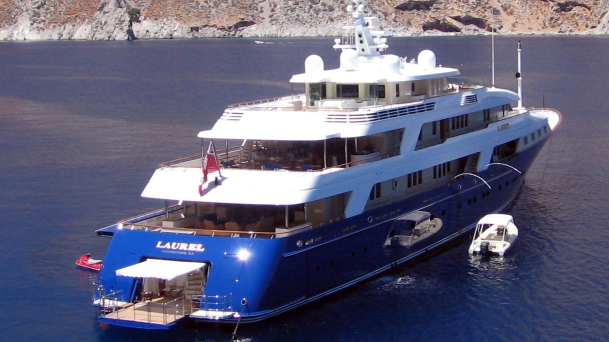 laurel-motor-yacht-delta-marine-2006-73m-stern