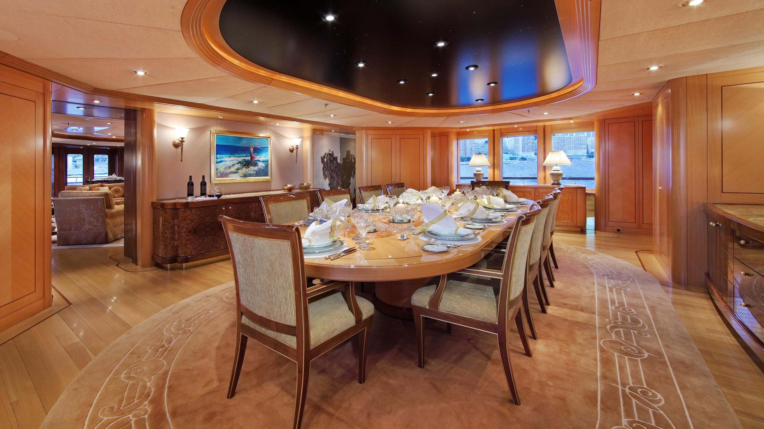 laurel-motor-yacht-delta-marine-2006-73m-dining-room