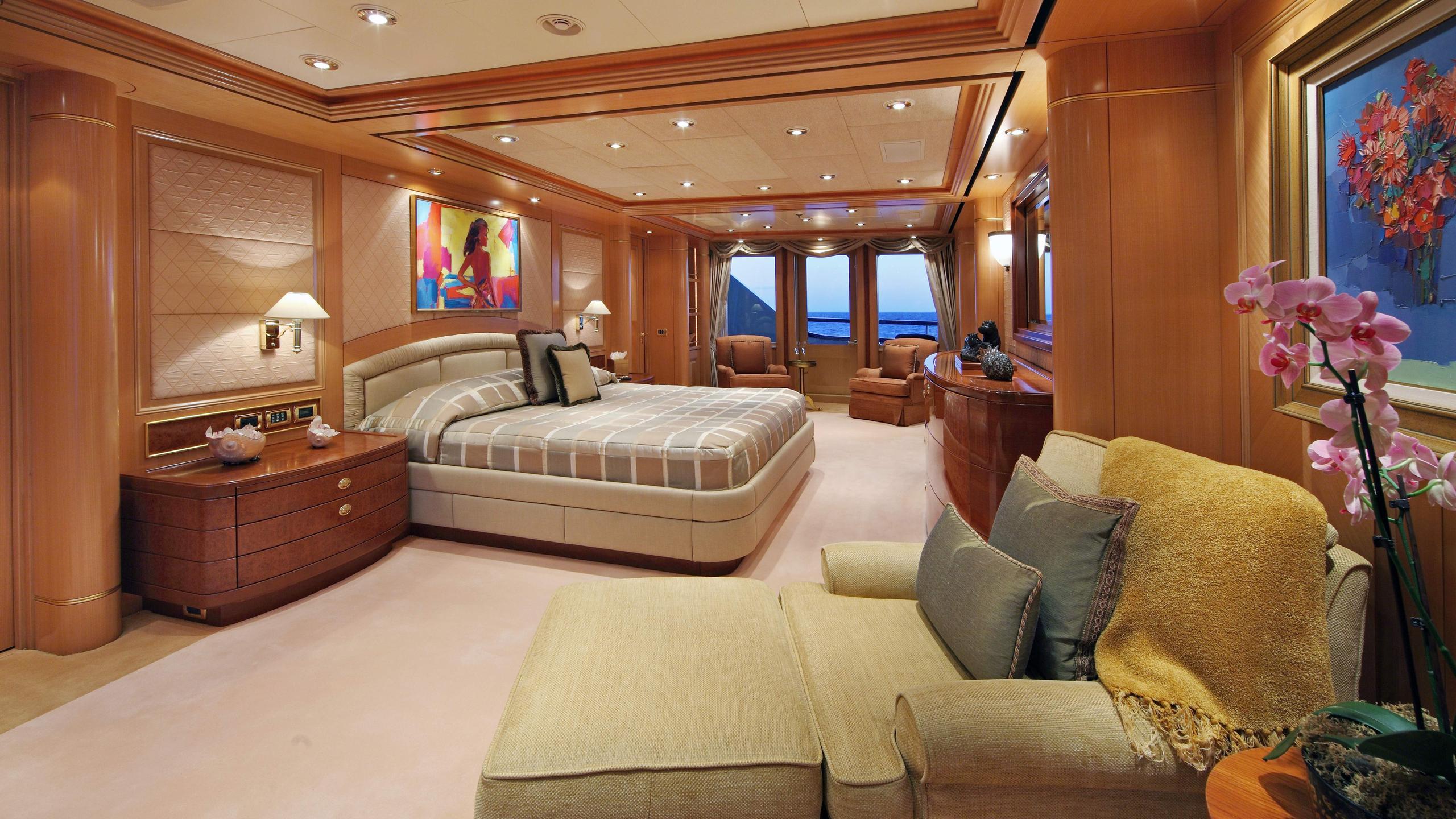 laurel-motor-yacht-delta-marine-2006-73m-master-state-room