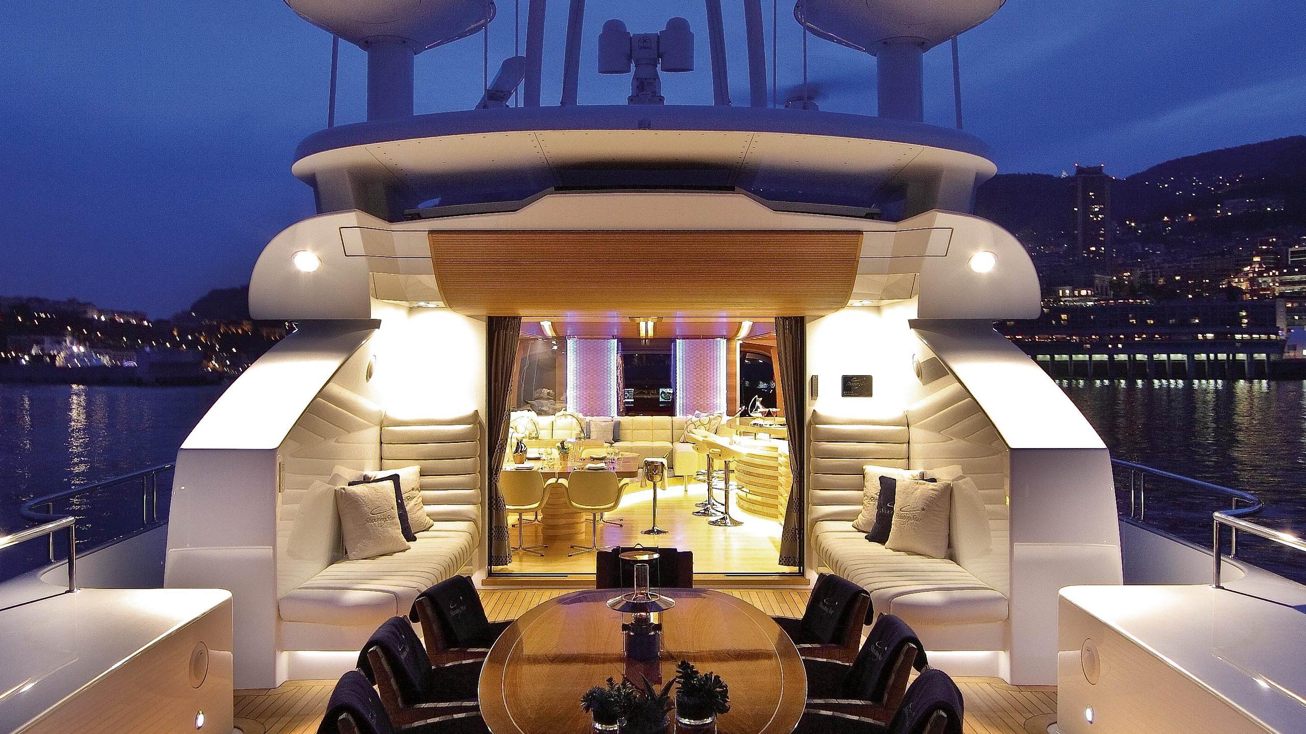 butterfly-motor-yacht-danish-2011-38m-deck-by-night