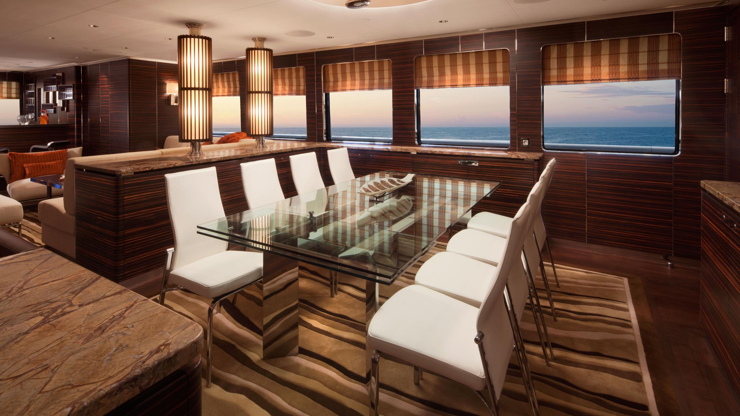 qing-motor-yacht-cheoy-lee-2012-46m-dining