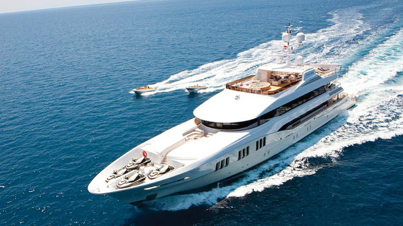 CARPE-DIEM-motor-yacht-trinity-2011-58m-cruising