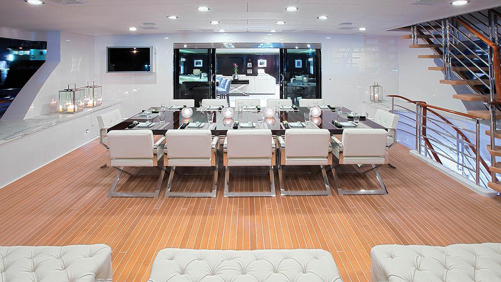 CARPE-DIEM-motor-yacht-trinity-2011-58m-sky-lounge