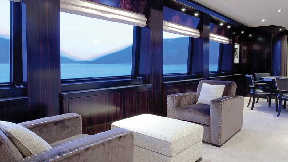 CARPE-DIEM-motor-yacht-trinity-2011-58m-seating