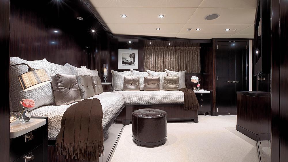 CARPE-DIEM-motor-yacht-trinity-2011-58m-guest-suite