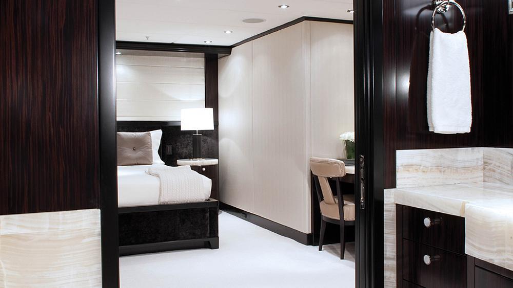 CARPE-DIEM-motor-yacht-trinity-2011-58m-cabin