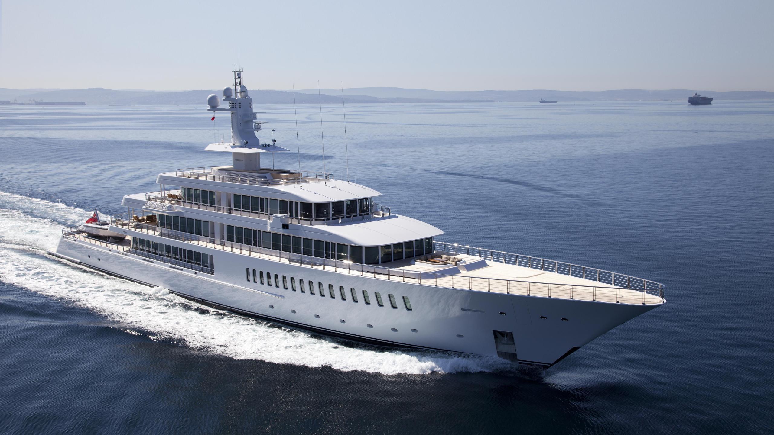 musashi-motor-yacht-feadhsip-2011-88m-profile-cruising