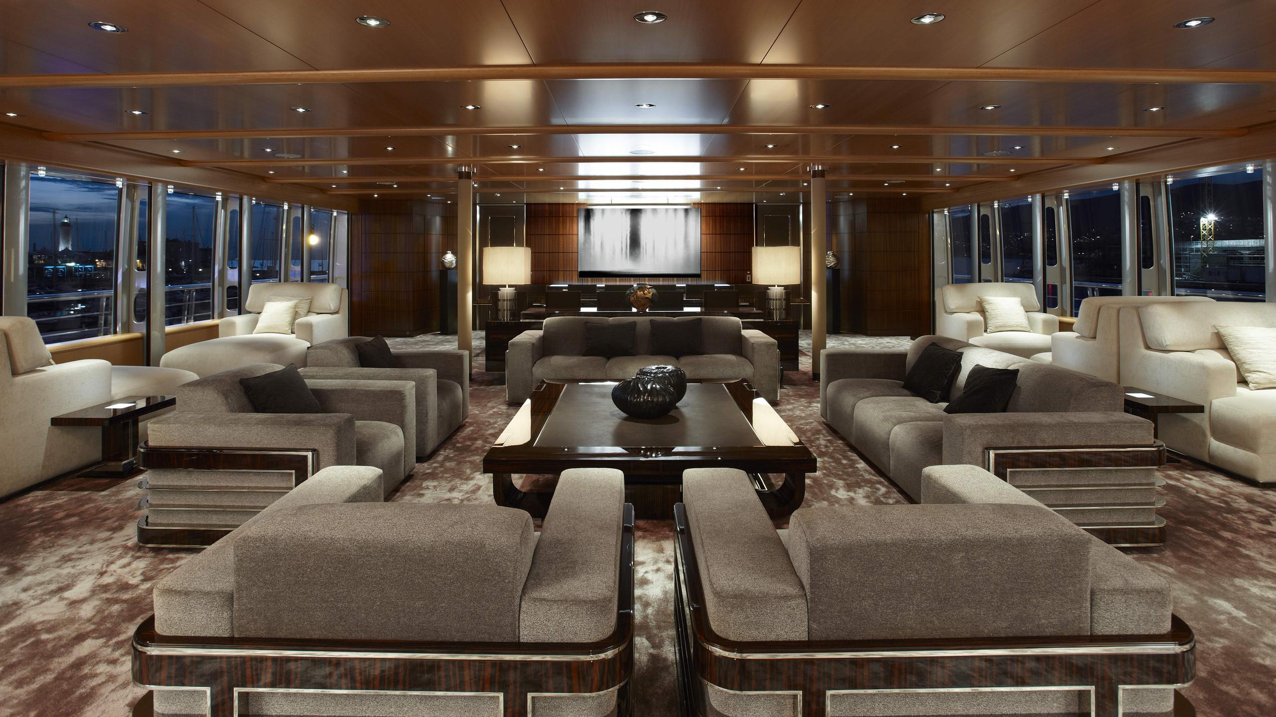 musashi-motor-yacht-feadhsip-2011-88m-saloon