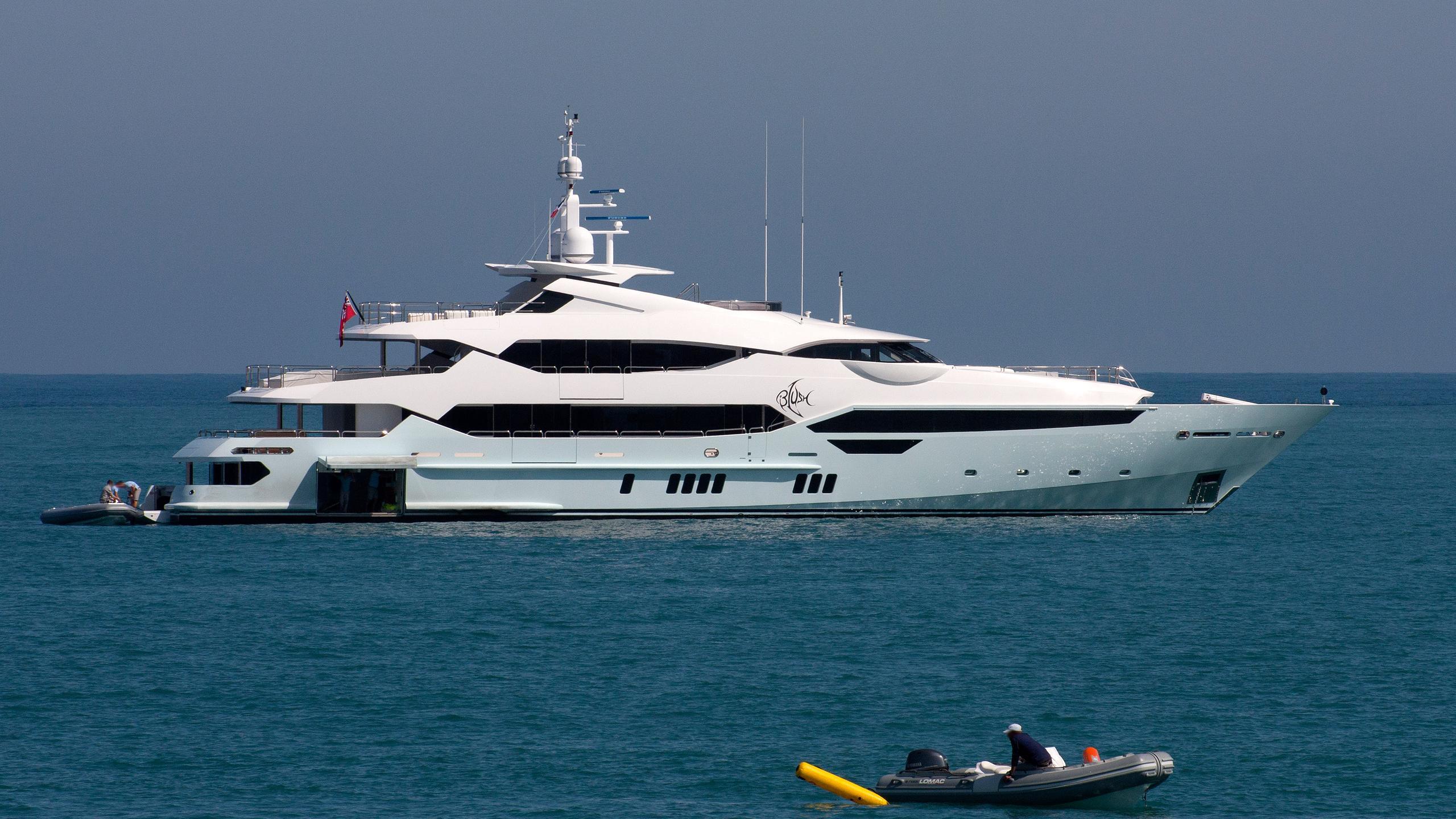 arados-blush-motor-yacht-sunseeker-2014-47m-profile-moored