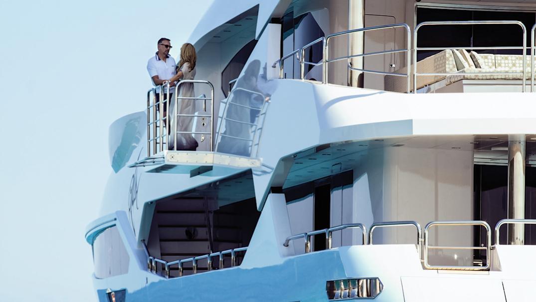 arados-blush-motor-yacht-sunseeker-2014-47m-side-view