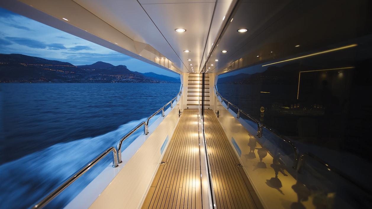 arados-blush-motor-yacht-sunseeker-2014-47m-side-balcony