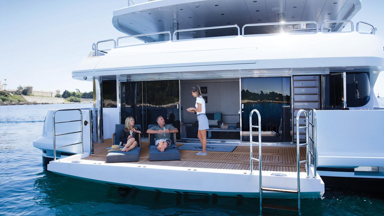 arados-blush-motor-yacht-sunseeker-2014-47m-beach-club