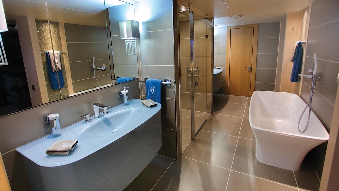 arados-blush-motor-yacht-sunseeker-2014-47m-bathroom