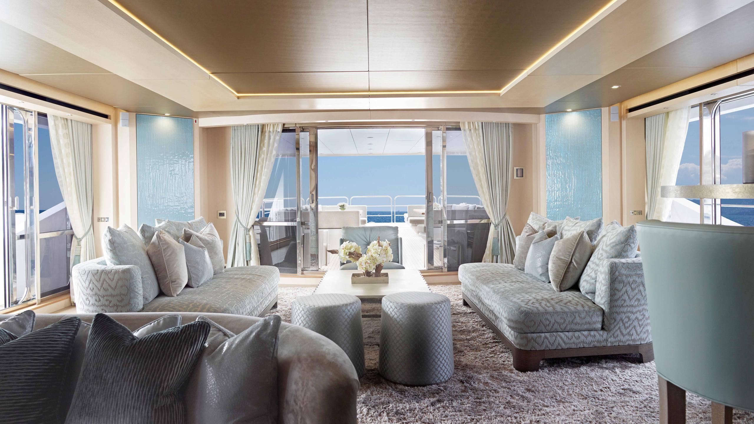 arados-blush-motor-yacht-sunseeker-2014-47m-saloon