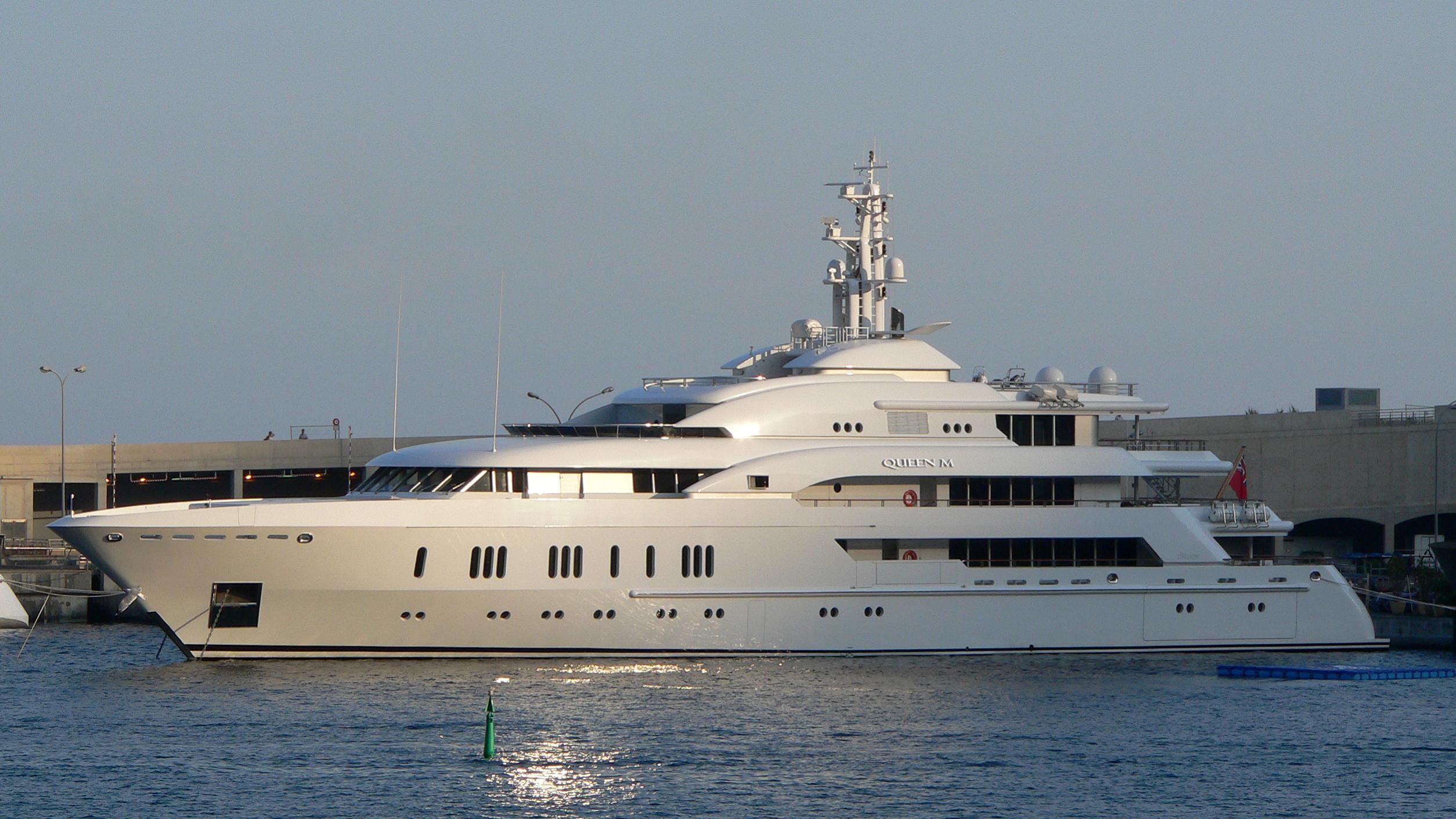 queen-k-motor-yacht-lurssen-2004-73m-moored