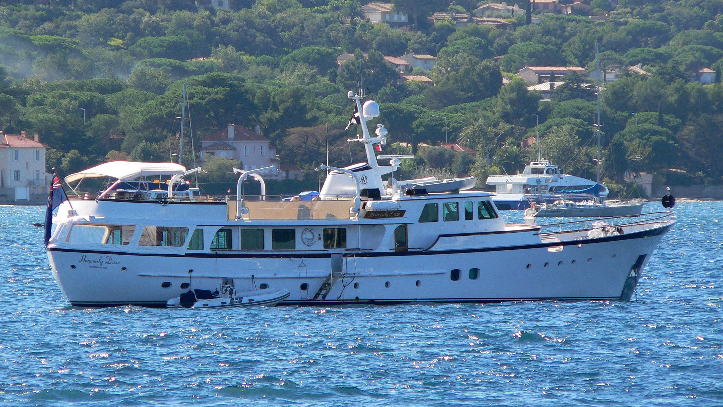 heavenly-daze-motor-yacht-feadship-1972-32m-profile-moored