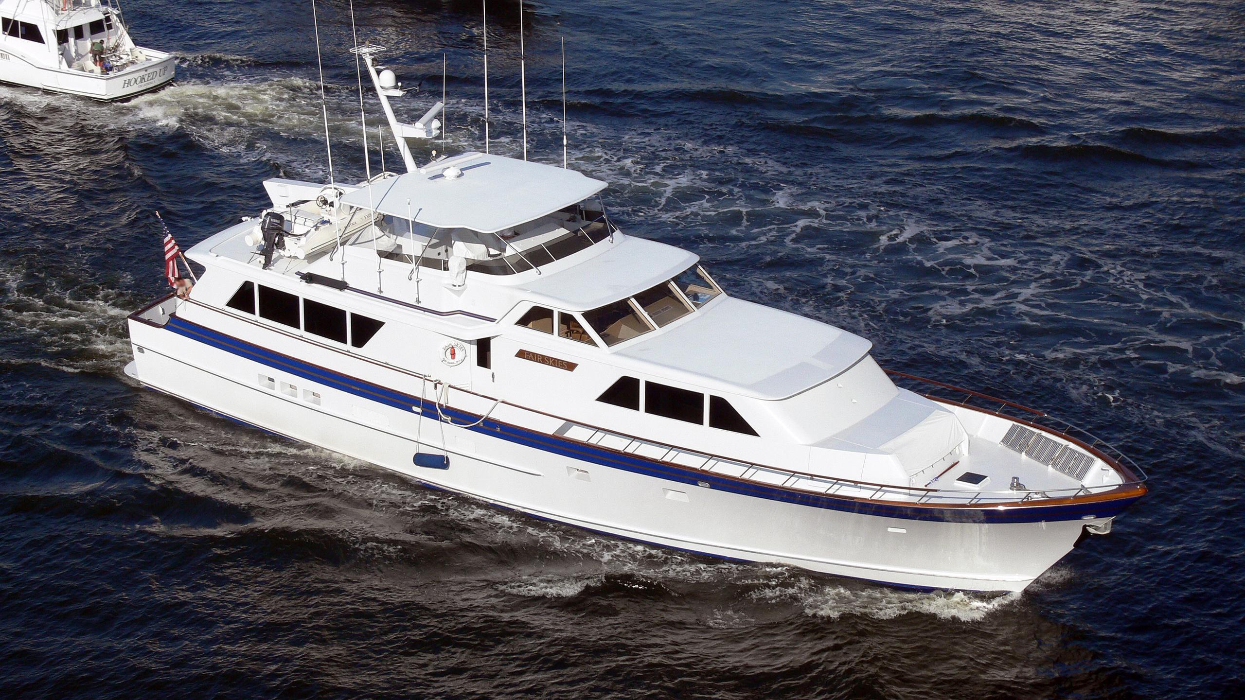 fair-skies-motor-yacht-burger-boat-1990-27m-half-profile